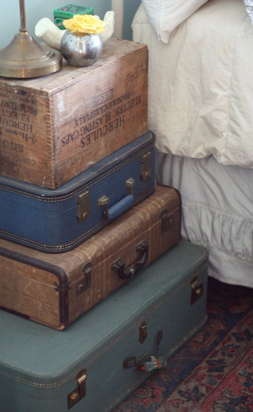 diy-decor-stacked-vintage-suitcase