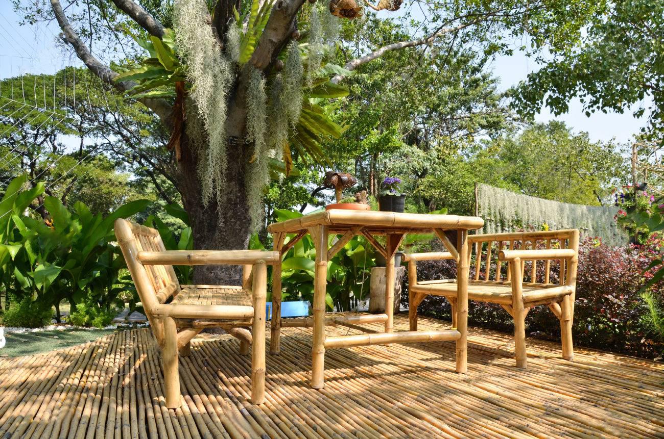Muebles hechos de bambú