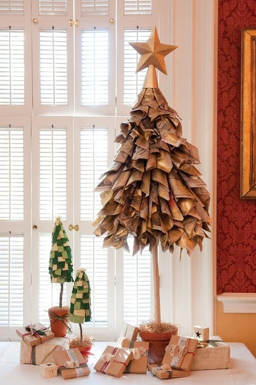 árbol de navidad con botellas