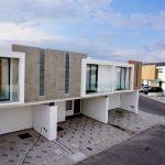 Fachada-de-casa-4-Travertino-Residencial-queretaro