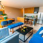Sala-tono-azul-en-Massaro-Residencial-Queretaro